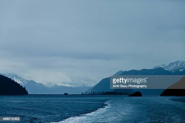 resurrection bay - golfo do alasca imagens e fotografias de stock