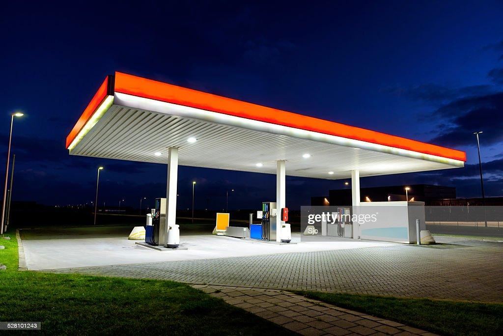 Retail Gasoline Station : Stock Photo