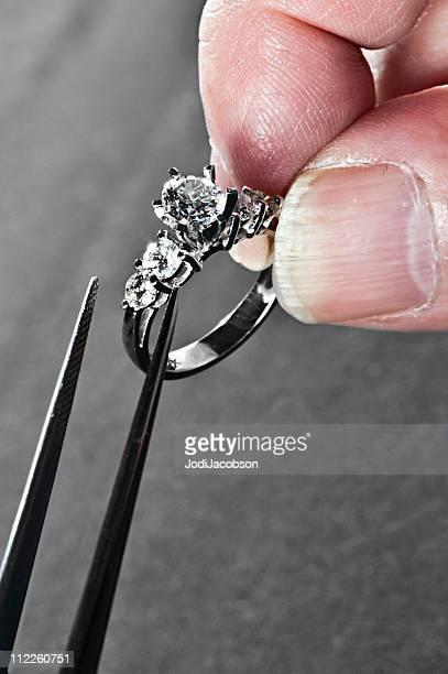 Vente au détail-Service: Bague en diamant remount