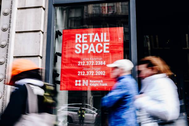 NY: NYC Shopping As Supply Chain Delays Poised To Disrupt Peak Season Retail