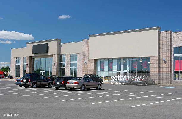 retail stores and parking - generic location stock pictures, royalty-free photos & images