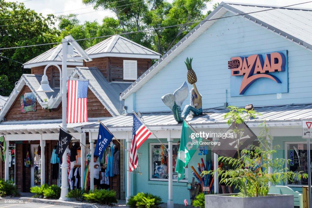 Bridge Street Stores >> Retail Stores On Bridge Street News Photo Getty Images