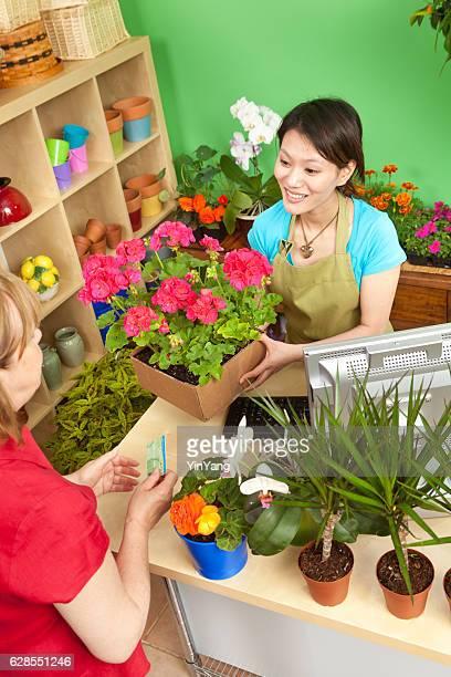 Retail-Transaktion in Kleinunternehmen Flower Garden Center