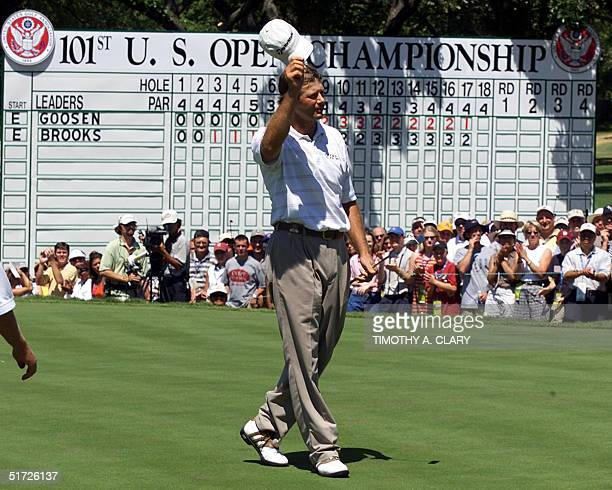Retief Goosen of South Africa celebrates his a two-stroke playoff victory of the 2001 US Open at Southern Hills Country Club in Tulsa, Oklahoma, 18...