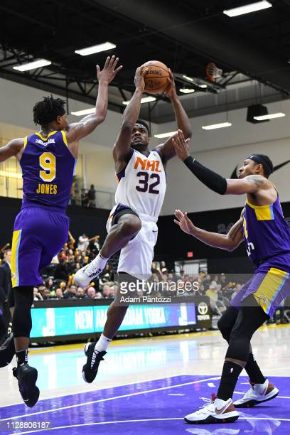 6d586f9f9 Retin Obasohan of the Northern Arizona Suns goes to the basket against the South  Bay Lakers