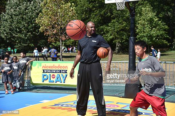 Retired basketball player Vin Baker attends Nickelodeon's 13th Annual Worldwide Day Of Play at The Nethermead Prospect Park on September 17 2016 in...