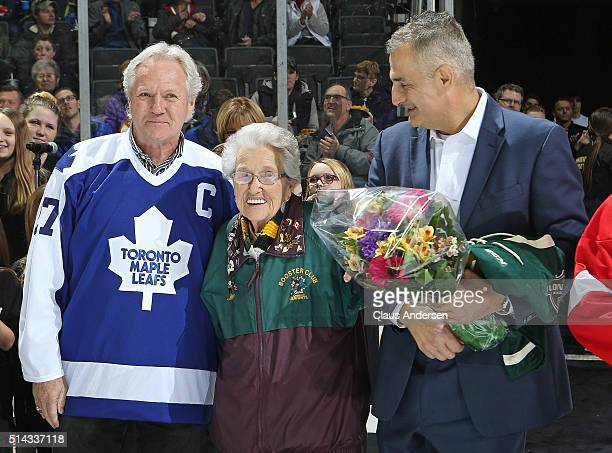 Retired Toronto Maple Leaf legend and ex London Knight Darryl Sittler participates in pre game ceremonies prior to action between the Kitchener...