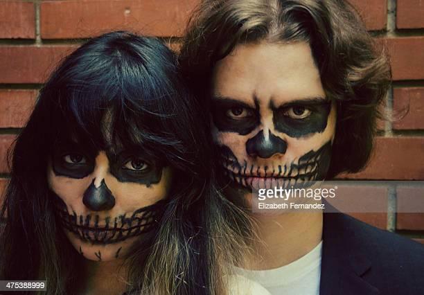 Retrato de pareja un día de Halloween