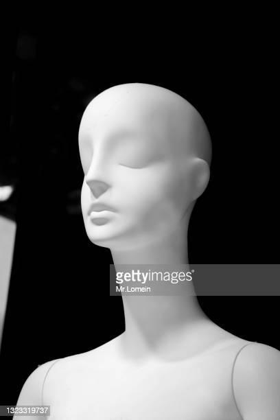 retrato maniquí en blanco y negro - blanco y negro ストックフォトと画像