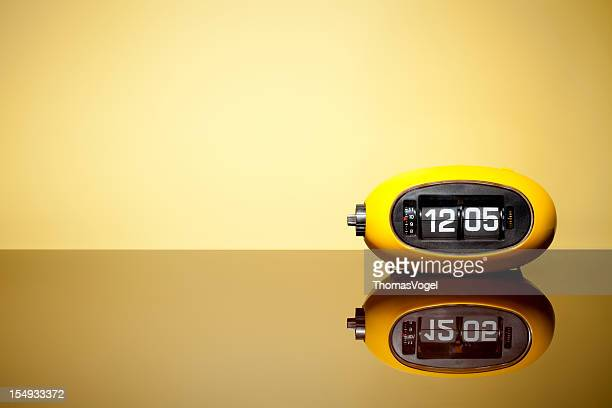 Retro alarm flip clock