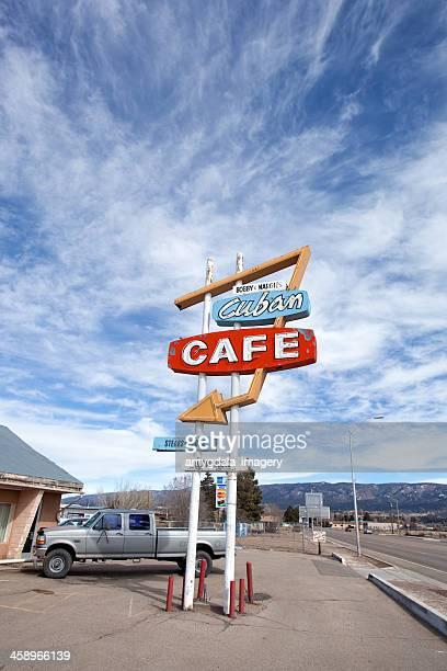 retro-cafe-Schild