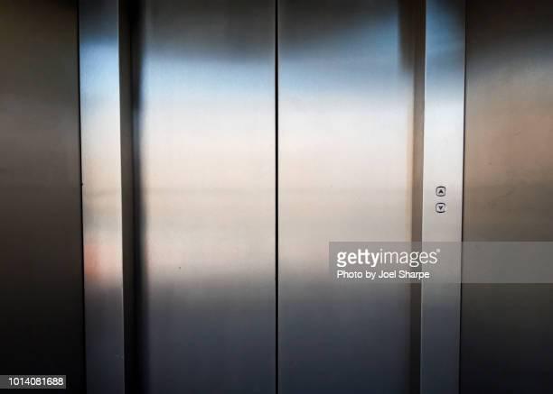 retro elevator - elevador - fotografias e filmes do acervo