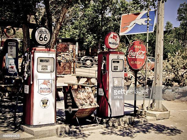 Retro Benzin-Pumps in der Route 66, Hackberry, Arizona, USA