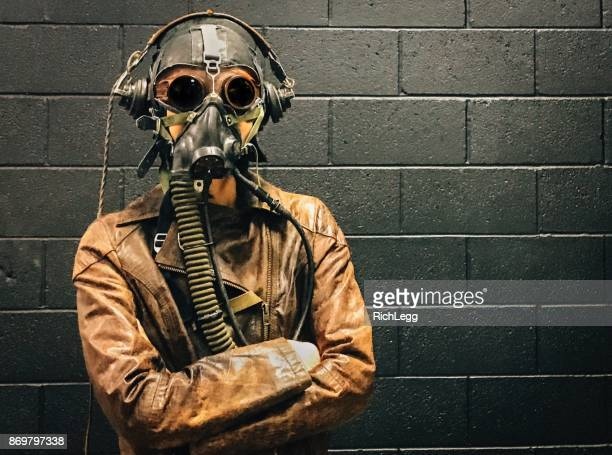 retro pilot - gas mask stock pictures, royalty-free photos & images