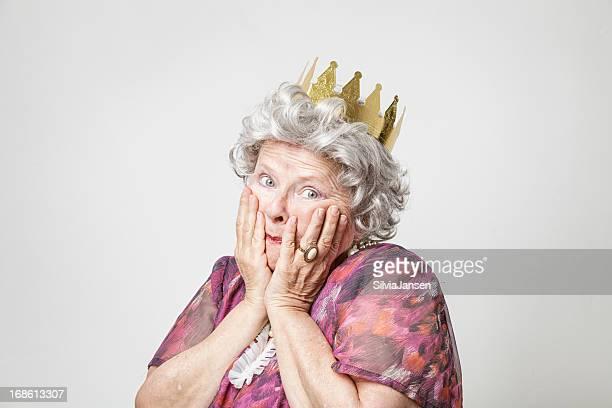retro queen worried