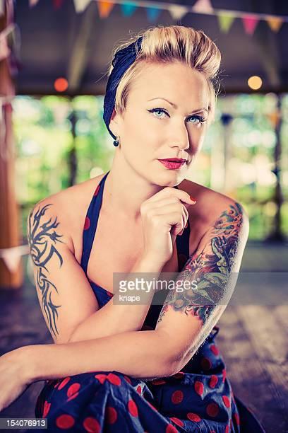 femme rétro rockabilly - rockabilly photos et images de collection