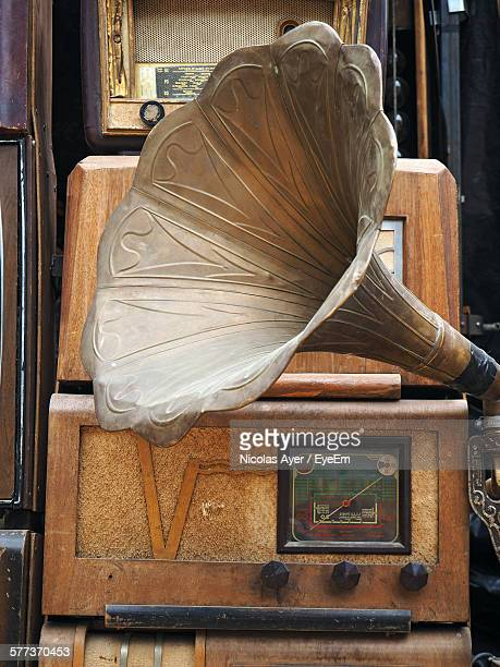 Retro Styled Radios And Gramophone In Store