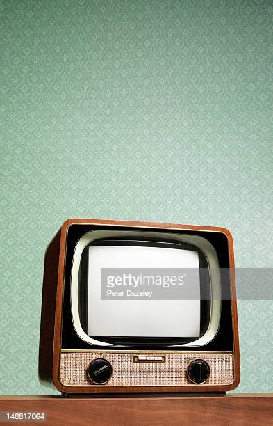 retro television set - the past stock pictures, royalty-free photos & images