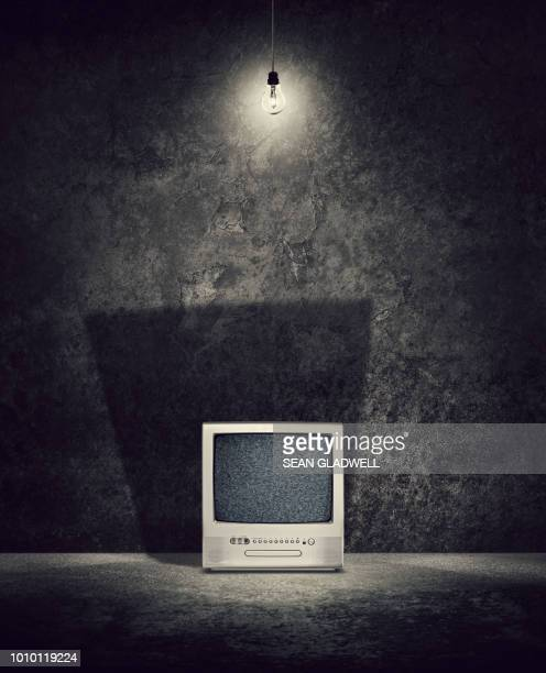 retro television set with noise on screen - horror movie stock pictures, royalty-free photos & images