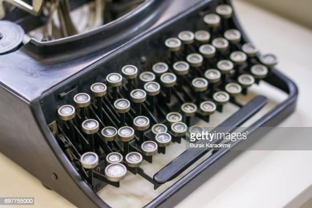 retro typewriter - authors - fotografias e filmes do acervo