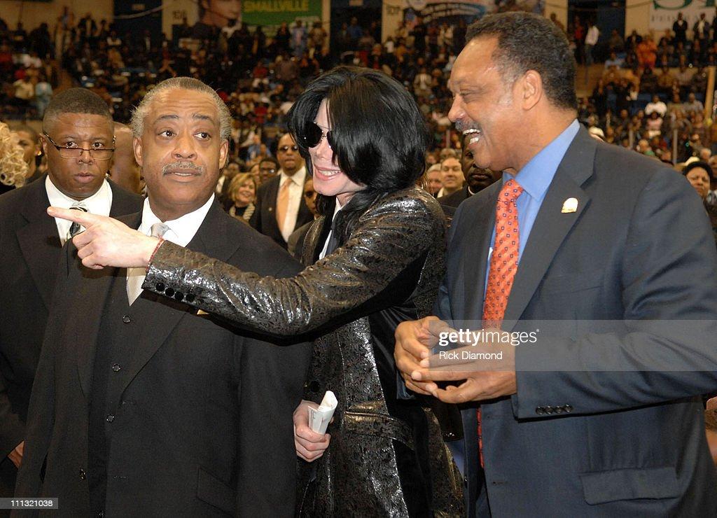 Michael Jackson at James Brown's funeral. | Michael Jackson ...