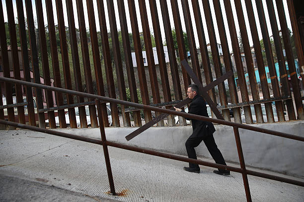 Bishops Hold Mass And Procession On US Border In Support Of Immigration Reform