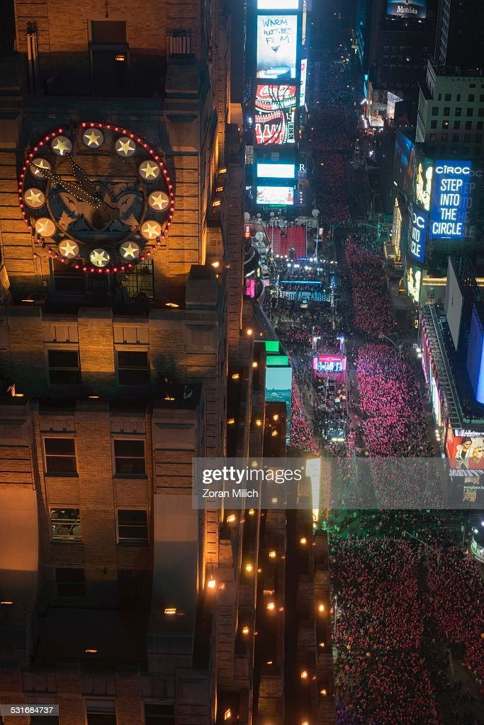 New Year's Eve : News Photo
