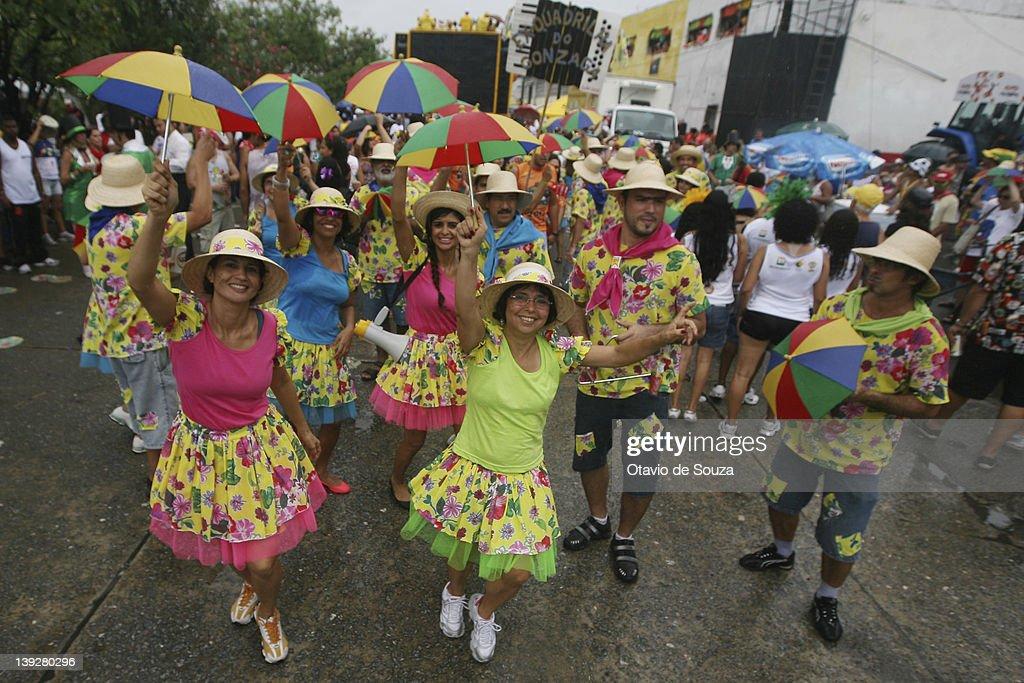 Paris som en brasiliansk karneval