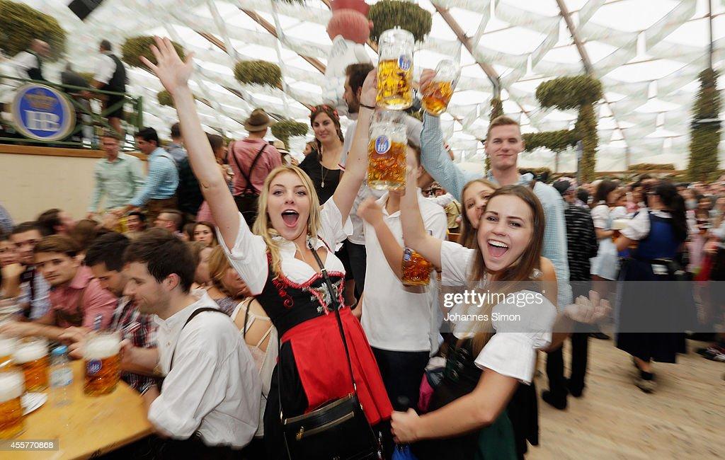 Oktoberfest 2014 - Opening Day : News Photo