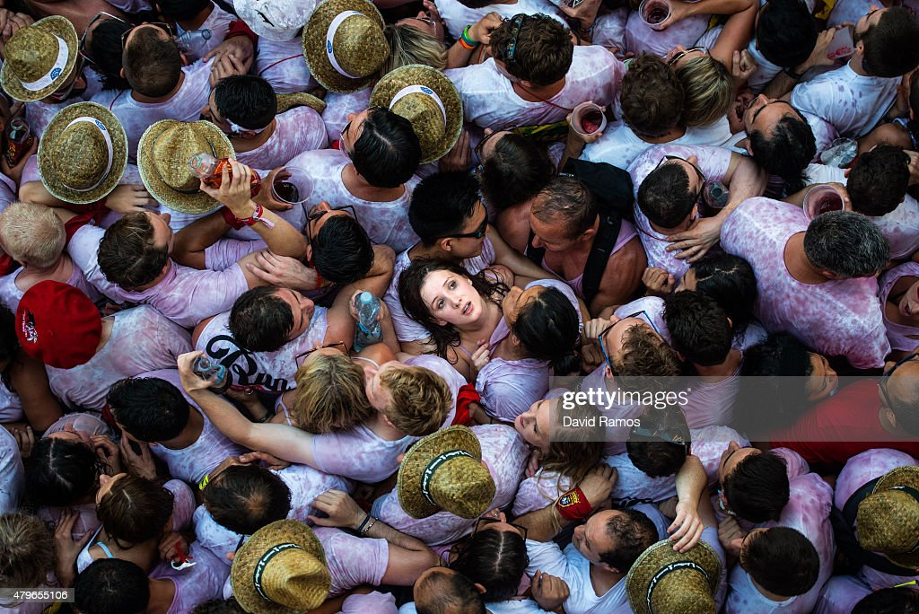 San Fermin Running of the Bulls 2015 - Day 1 : News Photo