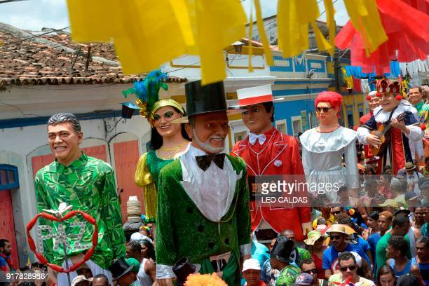 Revellers perform during the Gian Toys meeting in the carnival of Olinda Pernambuco state Brazil on February 13 2018 / AFP PHOTO / Leo Caldas