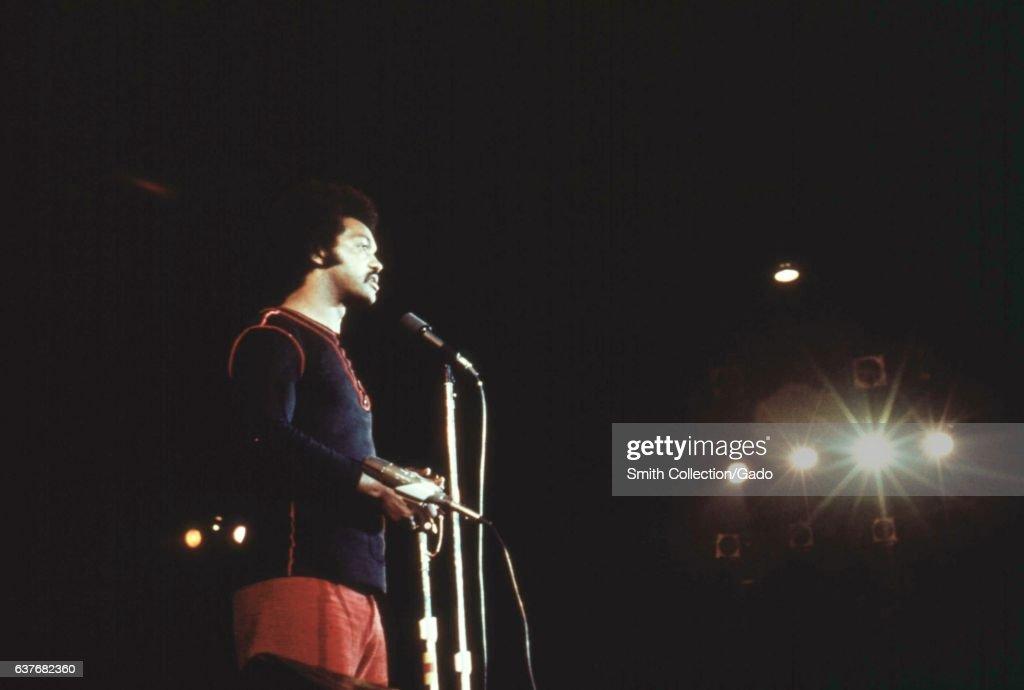 Jesse Jackson Giving Speech : News Photo