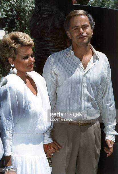 Reverend Jim Bakker and his wife Tammy Faye Bakker are shown at their first press conference 01 May 1987 Palm Springs CA since Bakker was forced out...