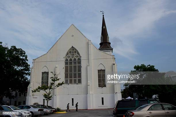 Reverend Picnckney's body returns to the Emanuel Church in Charleston for a public viewing