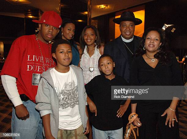 Reverend Run and Family during 2006 MTV Video Music Awards MTV Presents the 2006 VMA Forum at Radio City Music Hall in New York City New York United...