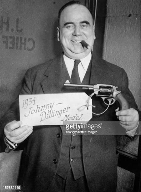 Revolver pattern named after the american gangster John Dillinger Photograph 1934 Revolvermodell benannt nach dem amerikanischen Verbrecher John...