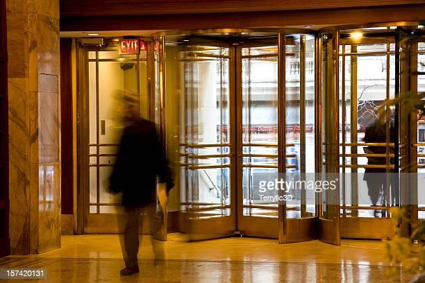 revolving doors in philadelphia luxury hotel reception lobby - terryfic3d stockfoto's en -beelden