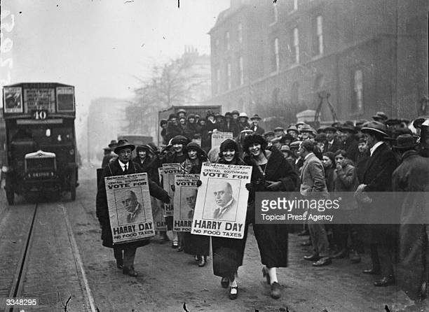 Revue Girls canvassing for Harry Day in Southwark, London, before the general election, November 1923.