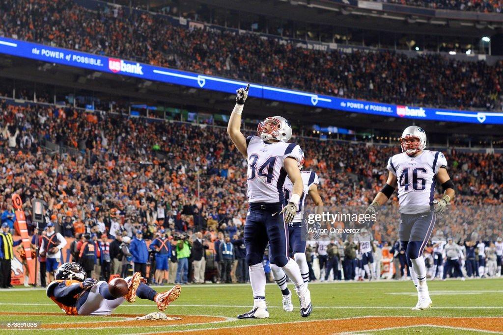 Denver Broncos vs. against the New England Patriots, NFL Week 10 : News Photo