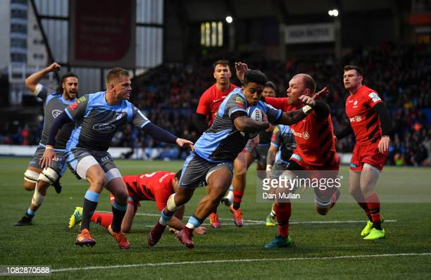 Rey LeeLo of Cardiff Blues dives over to score his side's first try during the Champions Cup match between Cardiff Blues and Saracens at Cardiff Arms...