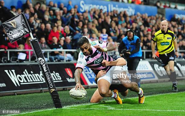 Rey LeeLo of Cardiff Blues scores a try during the Guiness Pro12 match between the Ospreys and Cardiff Blues at the Liberty Stadium on October 7 2016...