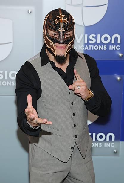 Rey Mysterio Fotos Bilder Von Rey Mysterio Getty Images