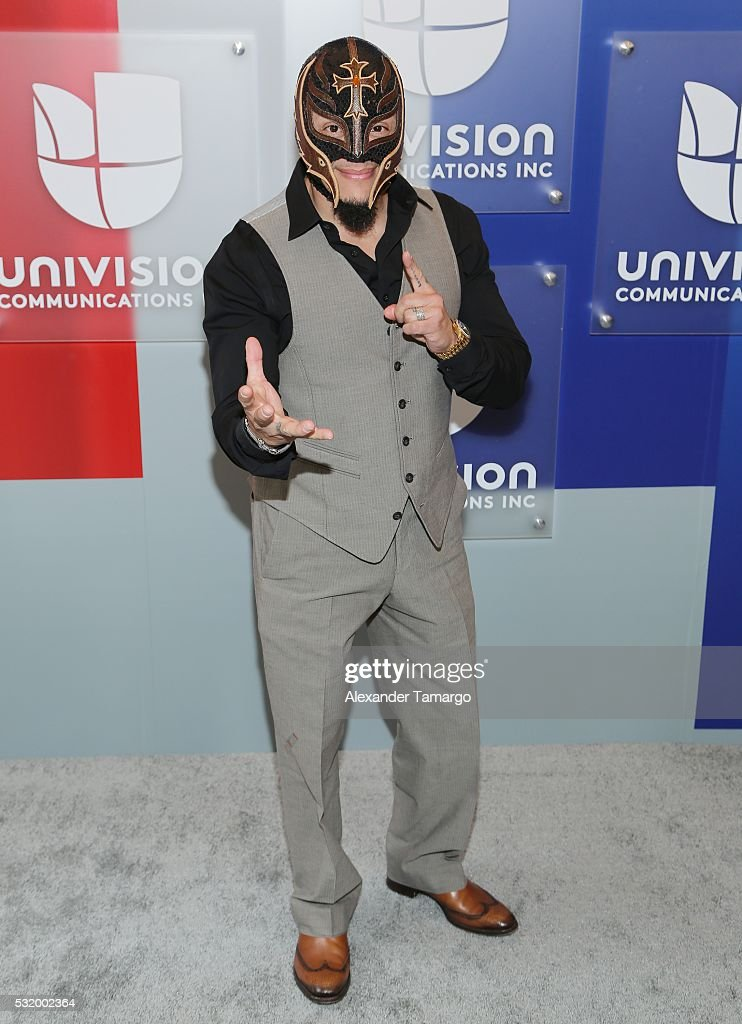 Univision's 2016 Upfront Red Carpet