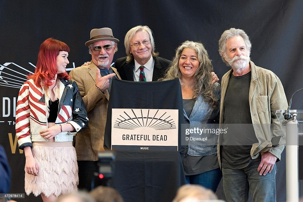 Reya Hart, Bill Kreutzmann, Jim Kerr, Trixie Garcia, and Bob Weir attend the Madison Square Garden 2015 Walk Of Fame Inductions at Madison Square Garden on May 11, 2015 in New York City.