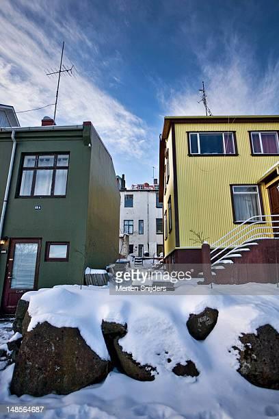 reykjavik houses. - merten snijders stockfoto's en -beelden