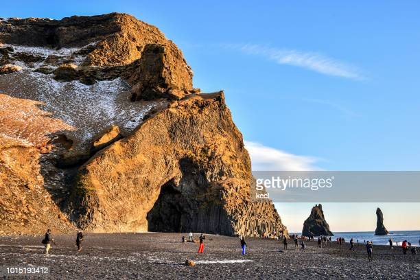 reynisfjara / black sand beach , iceland - punalu'u_beach stock pictures, royalty-free photos & images