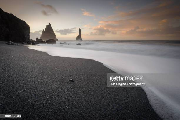 reynisfjara black-sand beach - iceland stock pictures, royalty-free photos & images