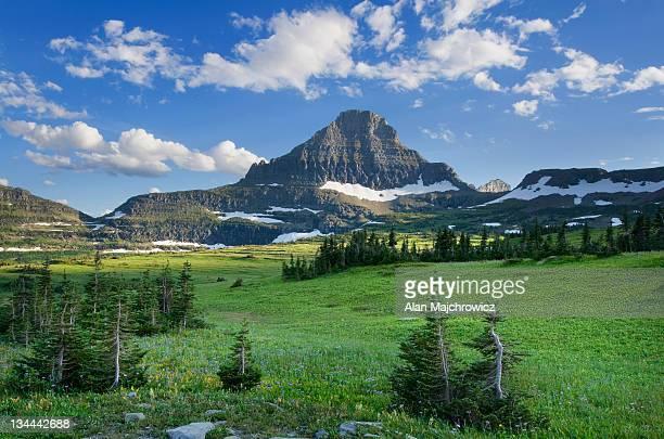 reynolds mountain, glacier national park montana - parque nacional glacier - fotografias e filmes do acervo