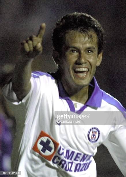 Reynoso player for the Blue Cross of Mexico celebrates a goal in Southern Sao Caetano near Sao Paulo 06 March 2001 Reynoso jugador del equipo de Cruz...