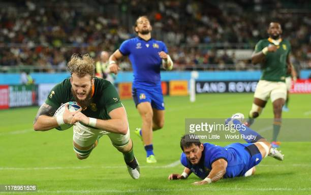 Rg Snyman of South Africa scores his team's sixth try during the Rugby World Cup 2019 Group B game between South Africa v Italy at Shizuoka Stadium...